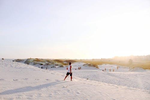 Foto profissional grátis de ao ar livre, areia, areia branca, aventura