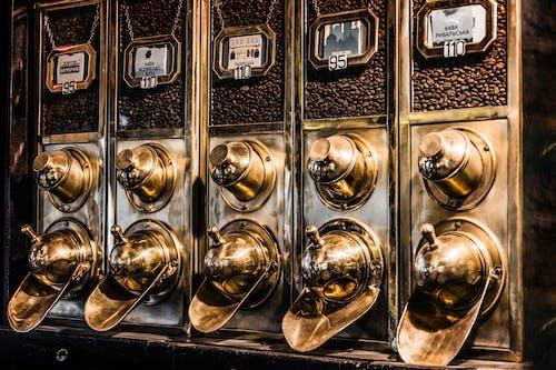 Gratis lagerfoto af cofee maskine, guld, kaffe