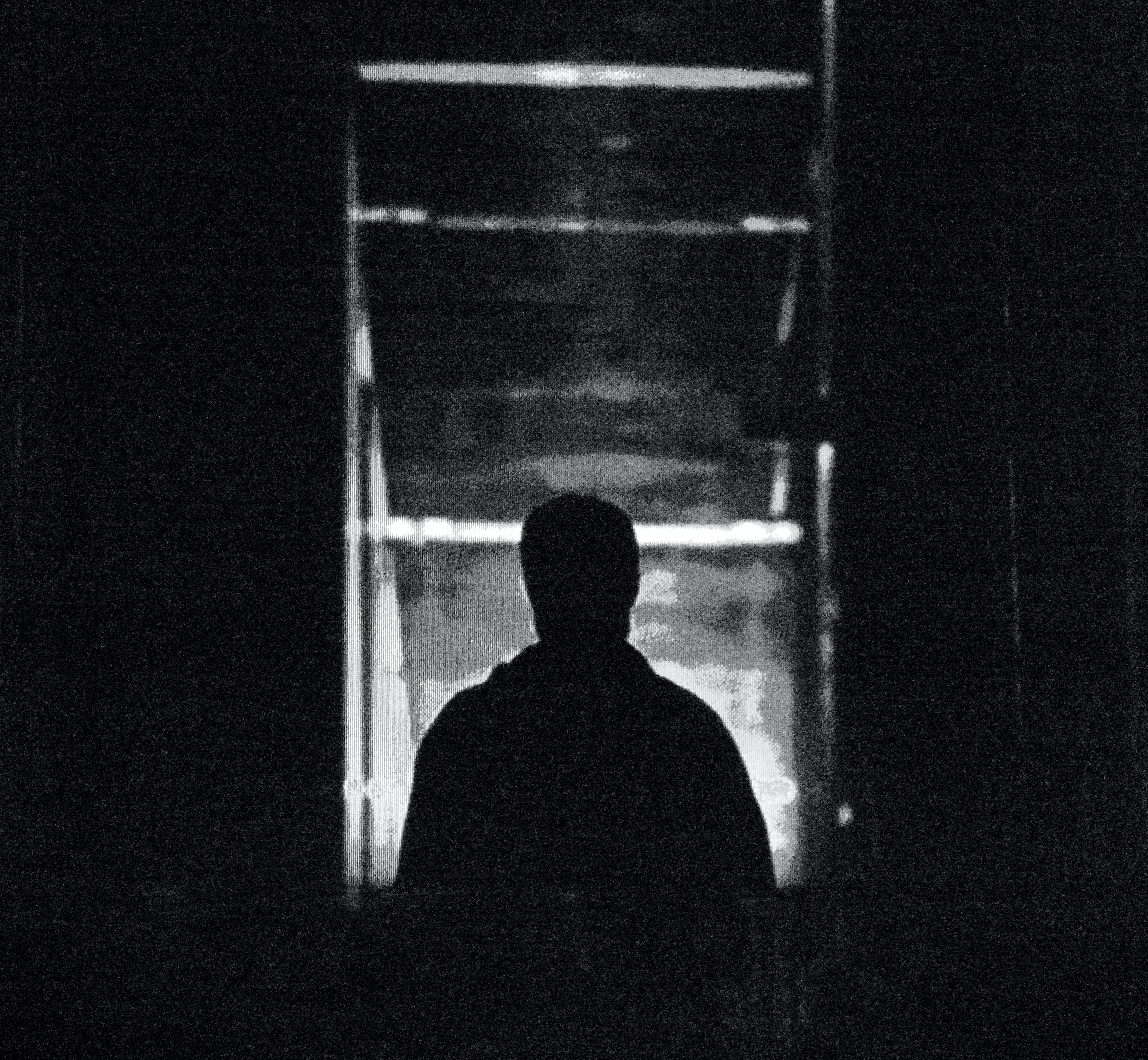 adam, siyah ve beyaz içeren Ücretsiz stok fotoğraf