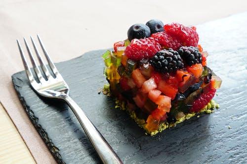 Ilmainen kuvapankkikuva tunnisteilla haarukka, hedelmäsekoitus, hedelmät, herkullista
