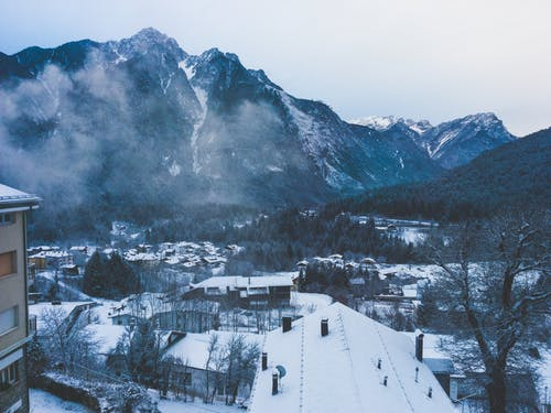 Kostnadsfri bild av bergen, dal, dimmig, dyster