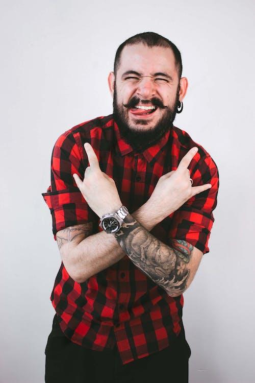 Foto d'estoc gratuïta de barba, bigoti, buscant, camisa de quadres