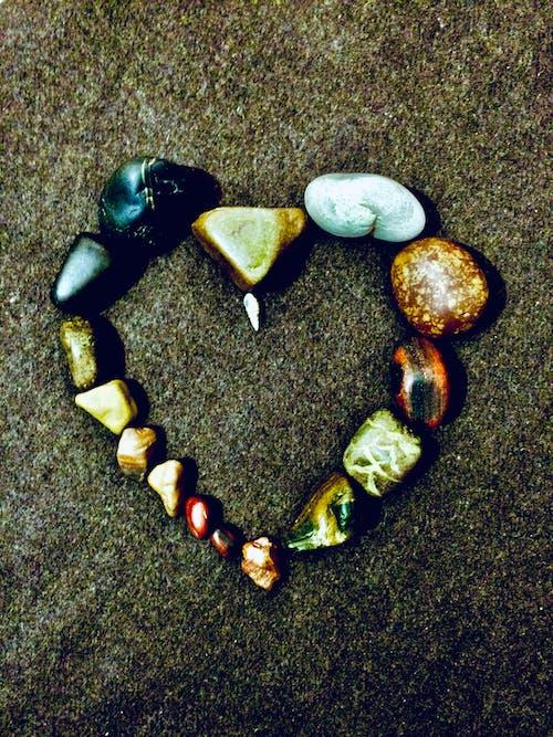 Бесплатное стоковое фото с булыжники, любовь, сердце