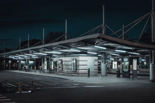 Безкоштовне стокове фото на тему «strasbourg, Автобусна зупинка, архітектура»
