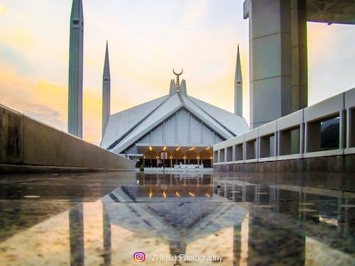 Foto d'estoc gratuïta de arquitectura, bonic, cel, faisal masjid