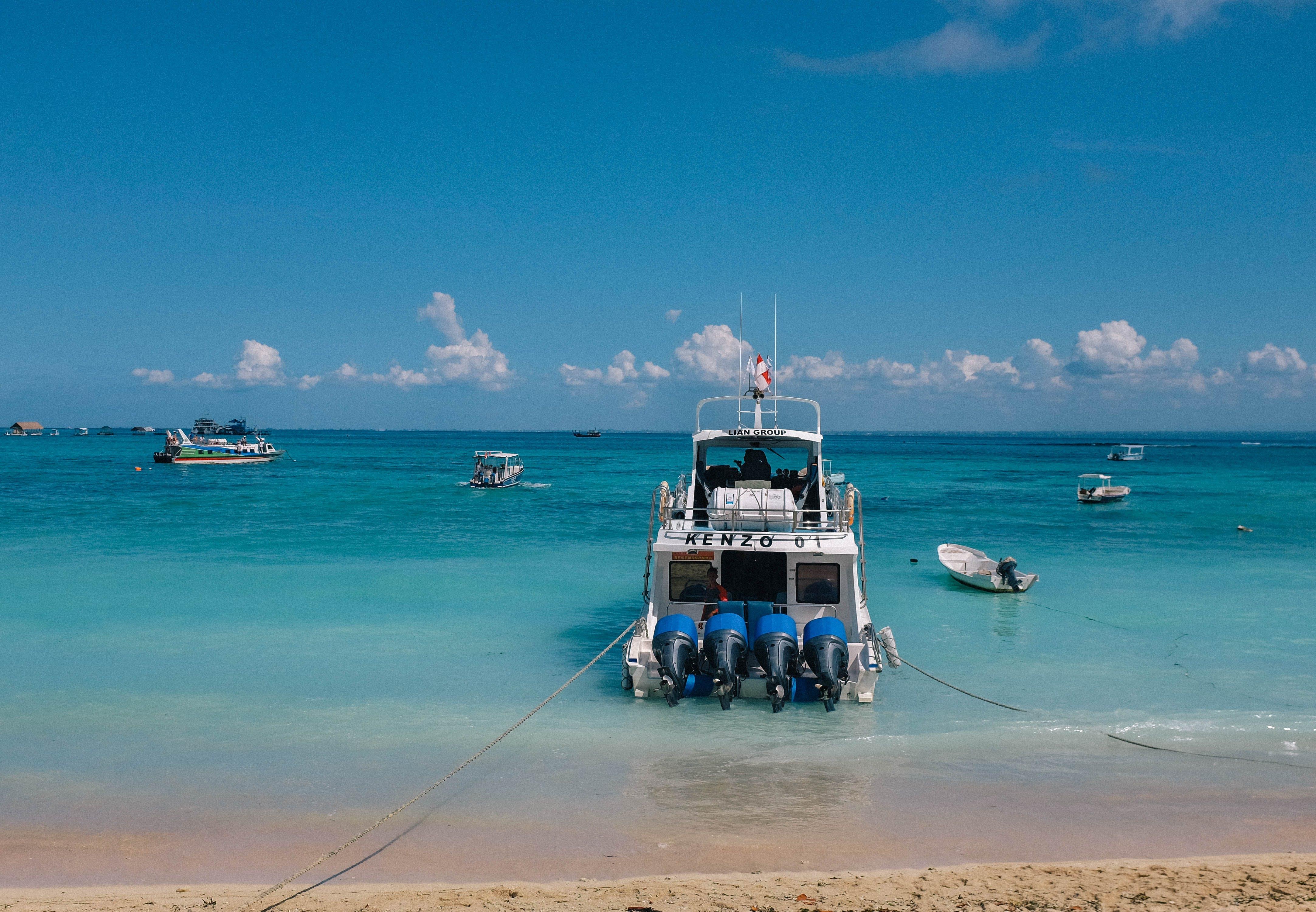 Fotos de stock gratuitas de azul, bali, barca, belleza en la naturaleza