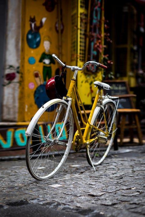 Безкоштовне стокове фото на тему «велосипед, велосипедист, веселий, Вулиця»