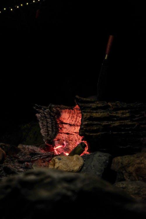 Foto profissional grátis de ardente, faca de acampamento, fogo, leve