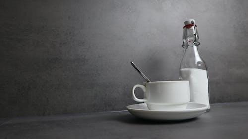 咖啡, 咖啡杯, 曝光, 灰色 的 免费素材照片