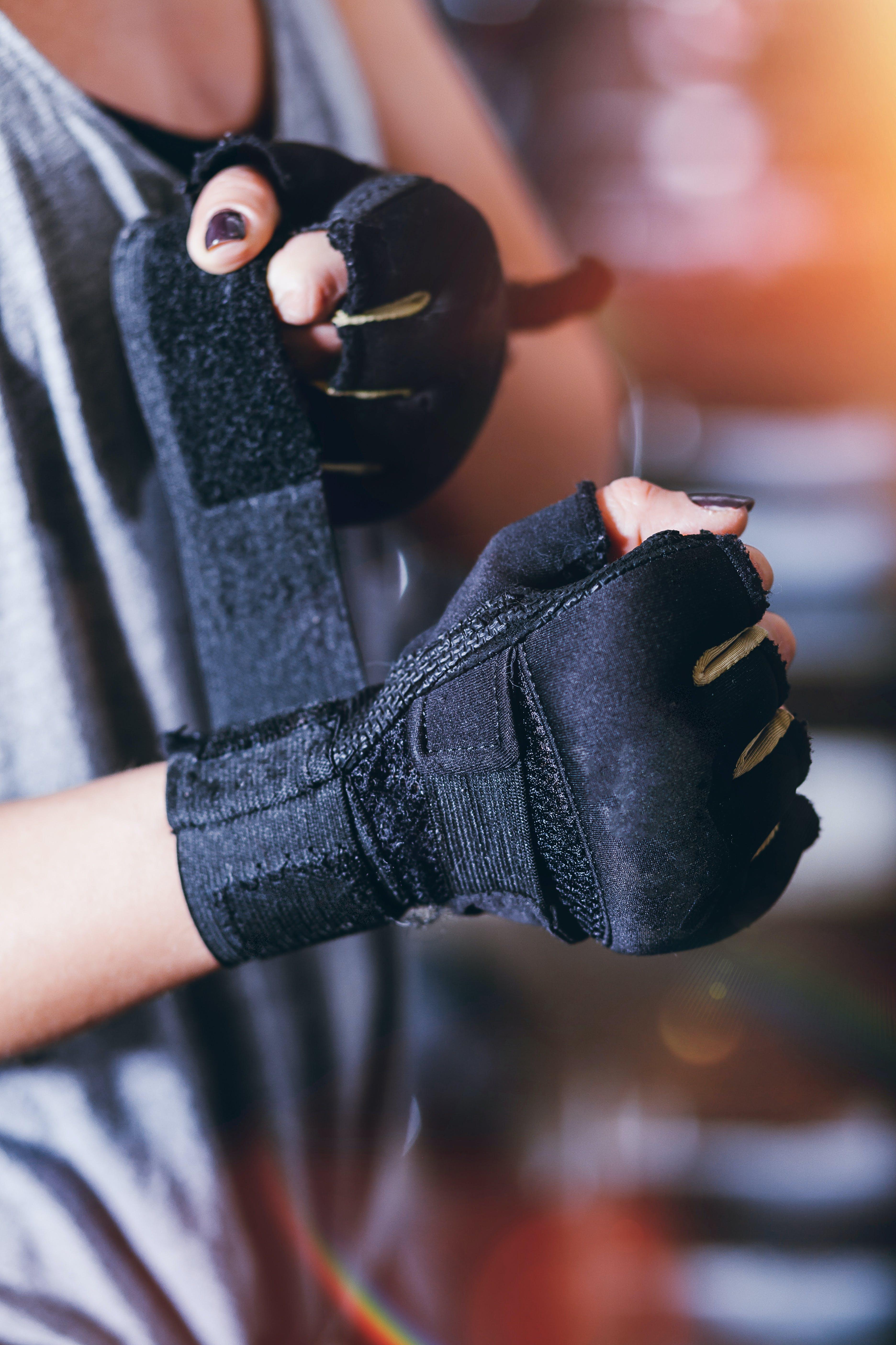 專注, 手, 手套, 景深 的 免費圖庫相片
