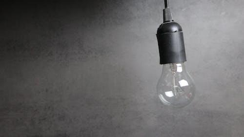 Ảnh lưu trữ miễn phí về bóng đèn, chủ nghĩa tối giản, màu đen, phản ánh