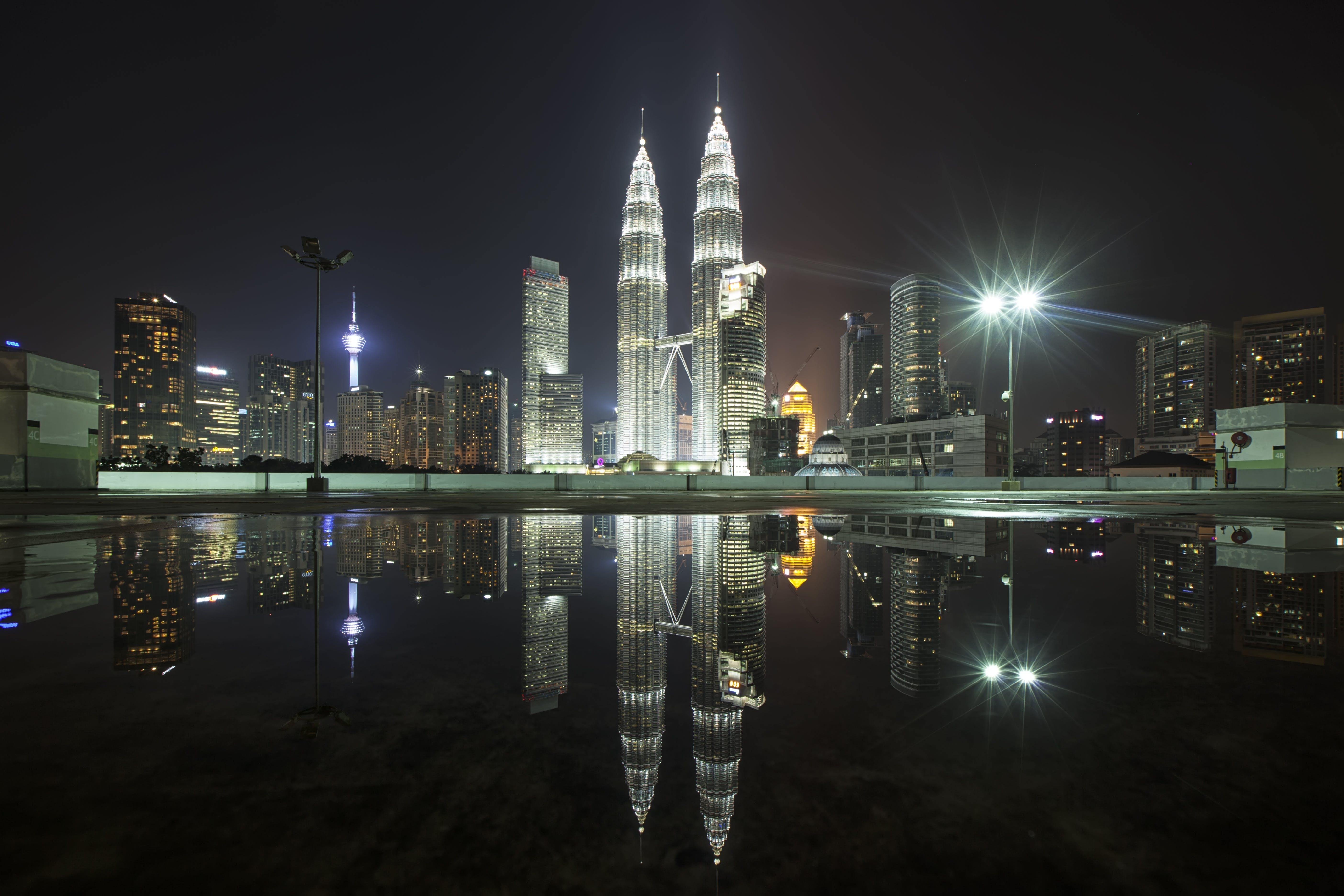 Gratis lagerfoto af arkitektur, baggrund, by, bygninger