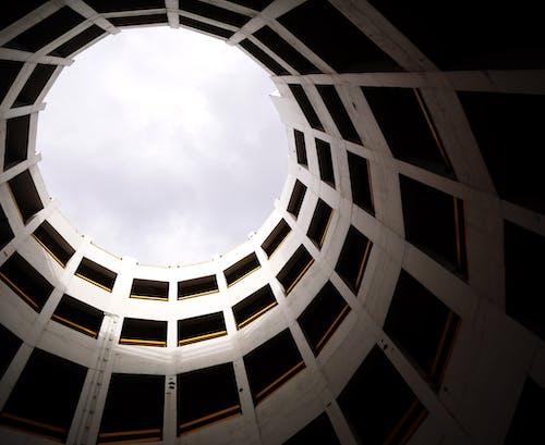 Бесплатное стоковое фото с архитектура, Архитектурное проектирование, в помещении, городской