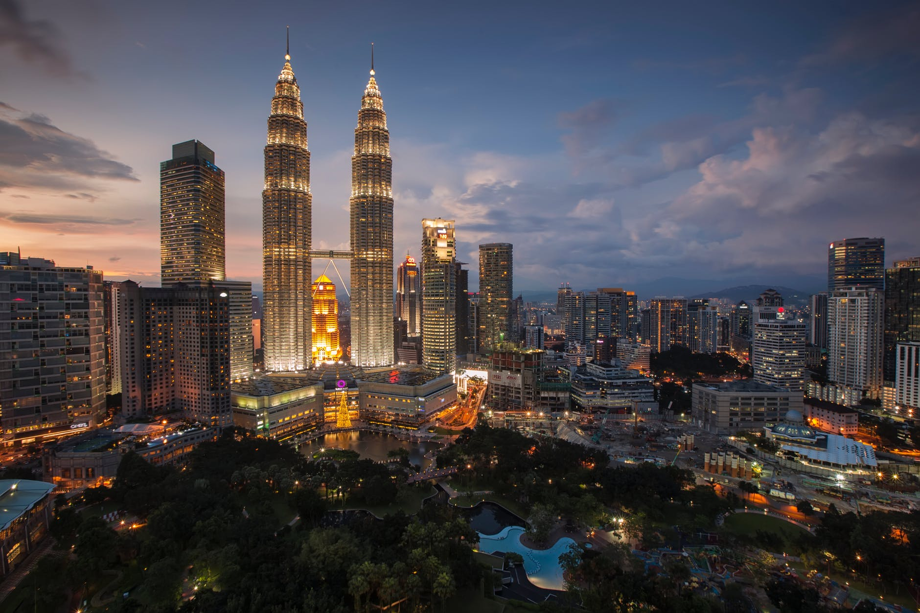 Malaysia is on its way to implement 5G in the telcos market. Source: Pexels