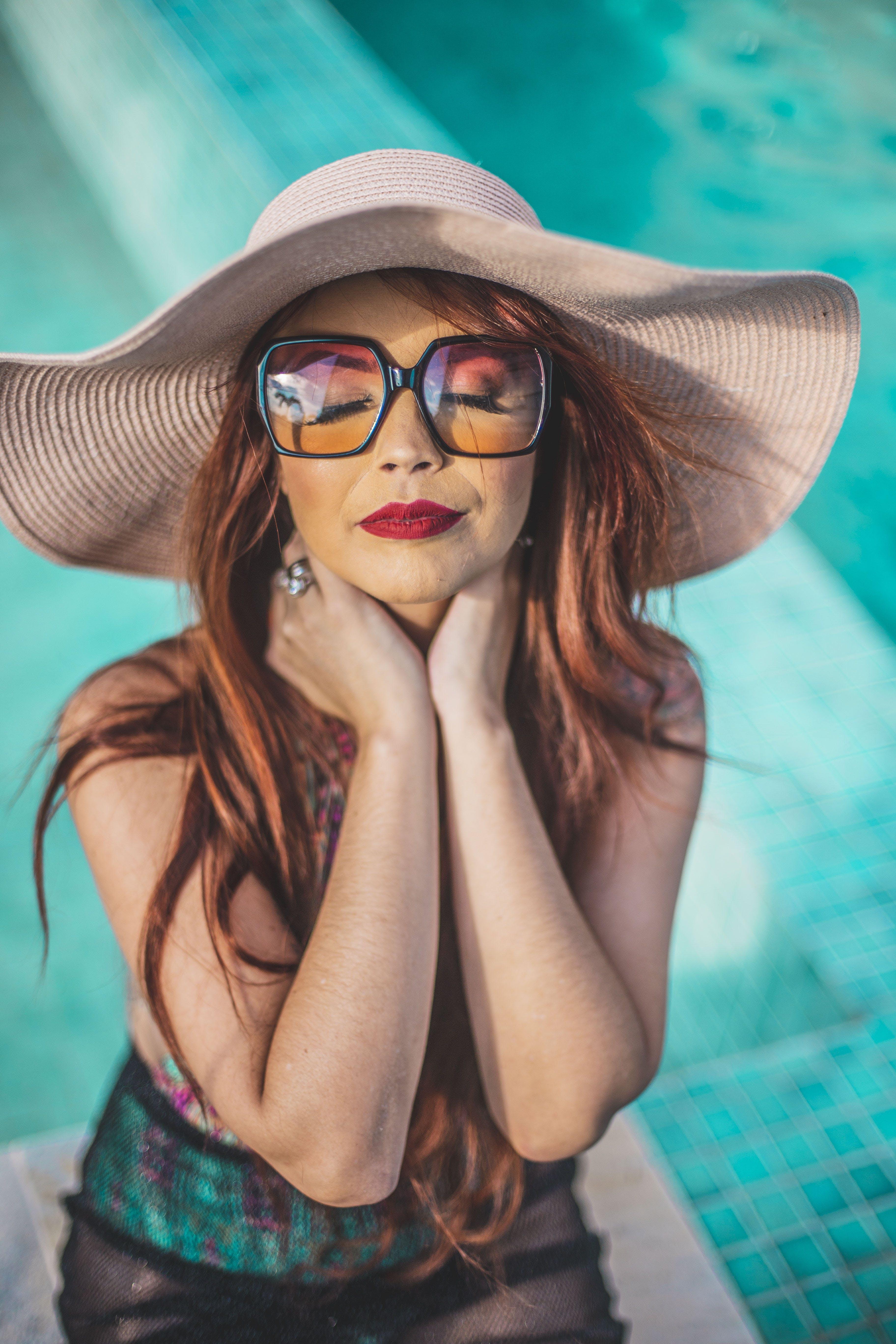 Kostenloses Stock Foto zu attraktiv, brillen, dame, fashion