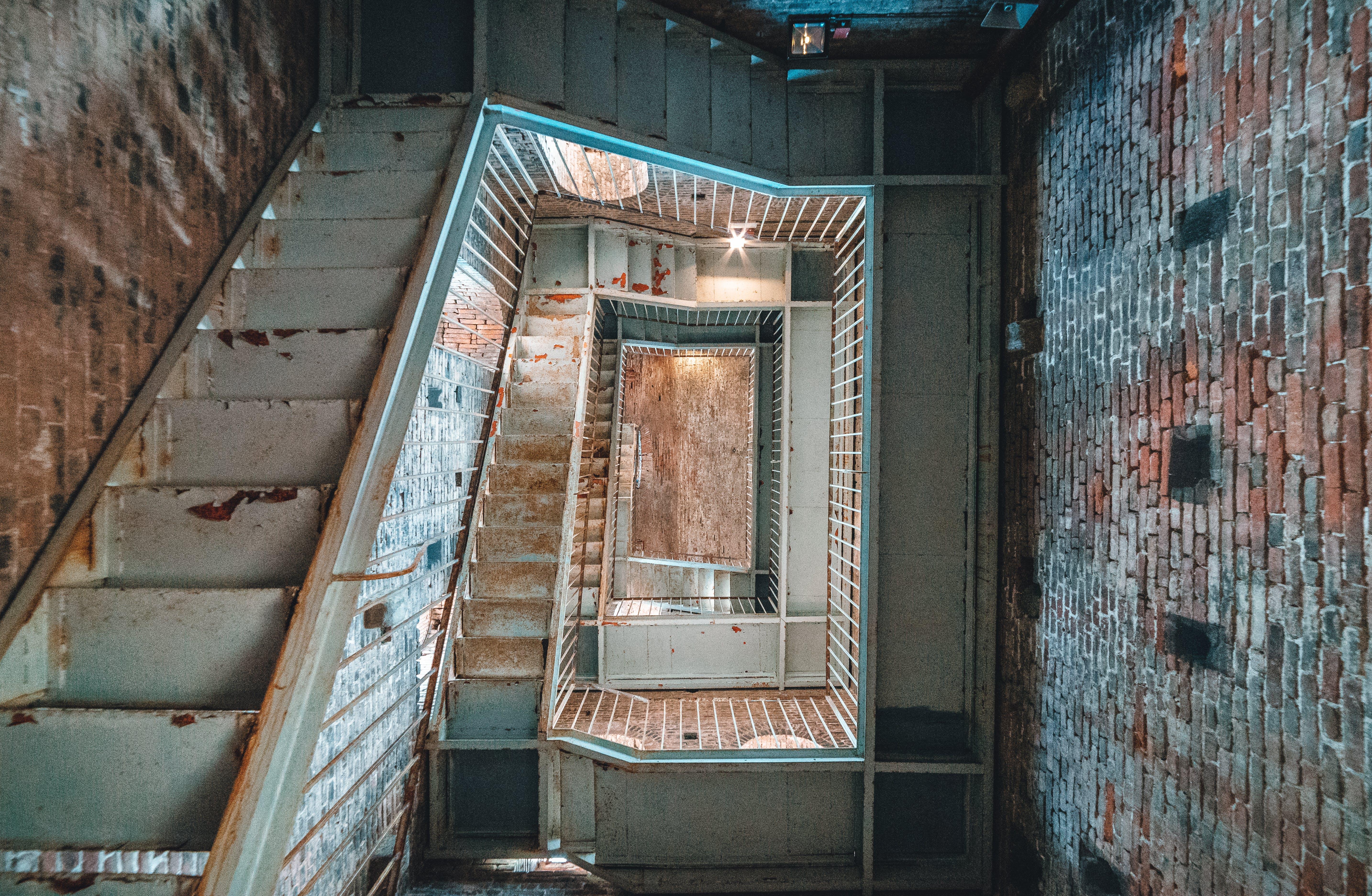 Fotos de stock gratuitas de abandonado, adentro, antiguo, arquitectura