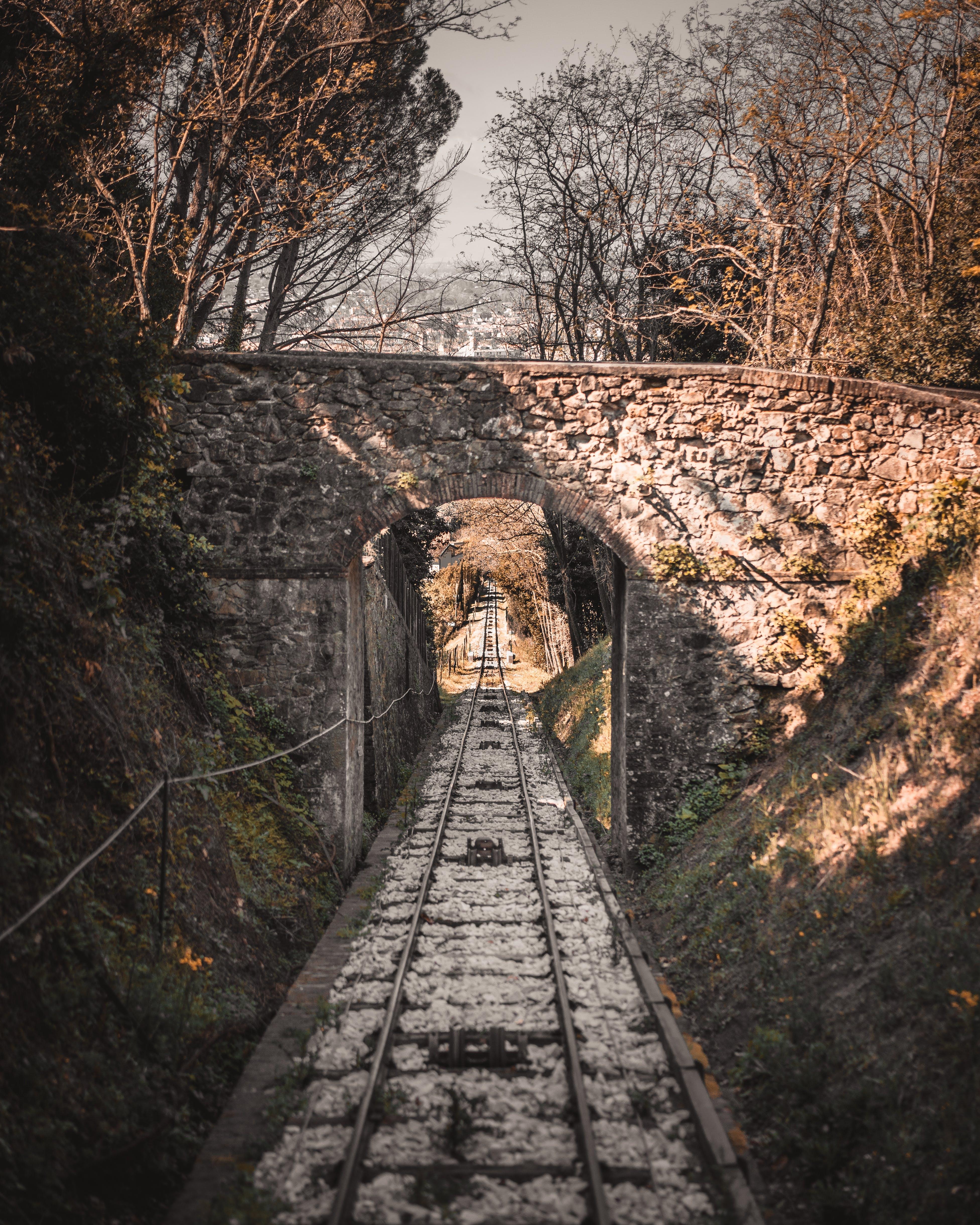 Δωρεάν στοκ φωτογραφιών με γέφυρα, γραμμές τρένου, πίστες, προπονούμαι