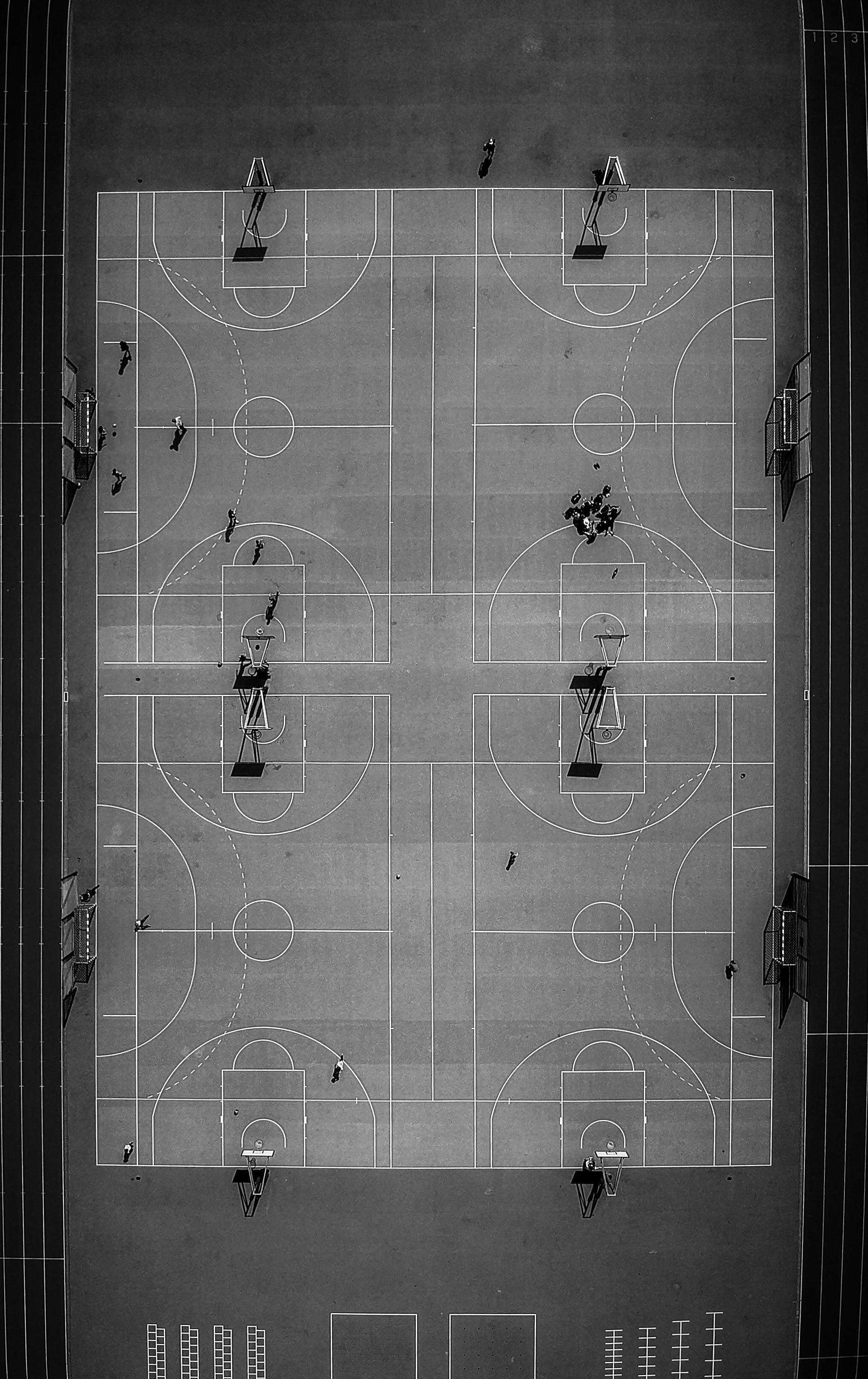 농구 코트, 드론 촬영, 드론으로 찍은 사진, 블랙 앤 화이트의 무료 스톡 사진