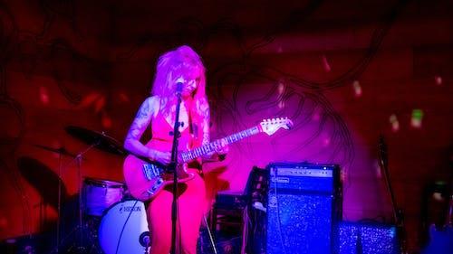 吉他, 吉他手, 女人 的 免费素材照片