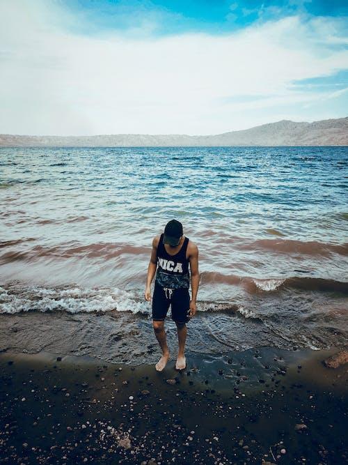 Бесплатное стоковое фото с берег, мобильный челендж, море, морской берег