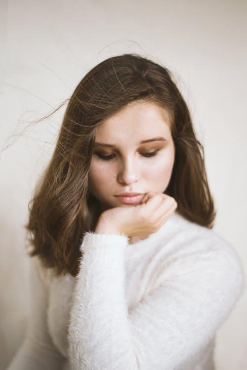 人, 光鮮亮麗, 可愛, 咖啡色頭髮的女人 的 免费素材照片