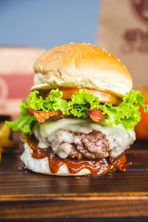 Základová fotografie zdarma na téma bulka, burger, cheeseburger, chutný