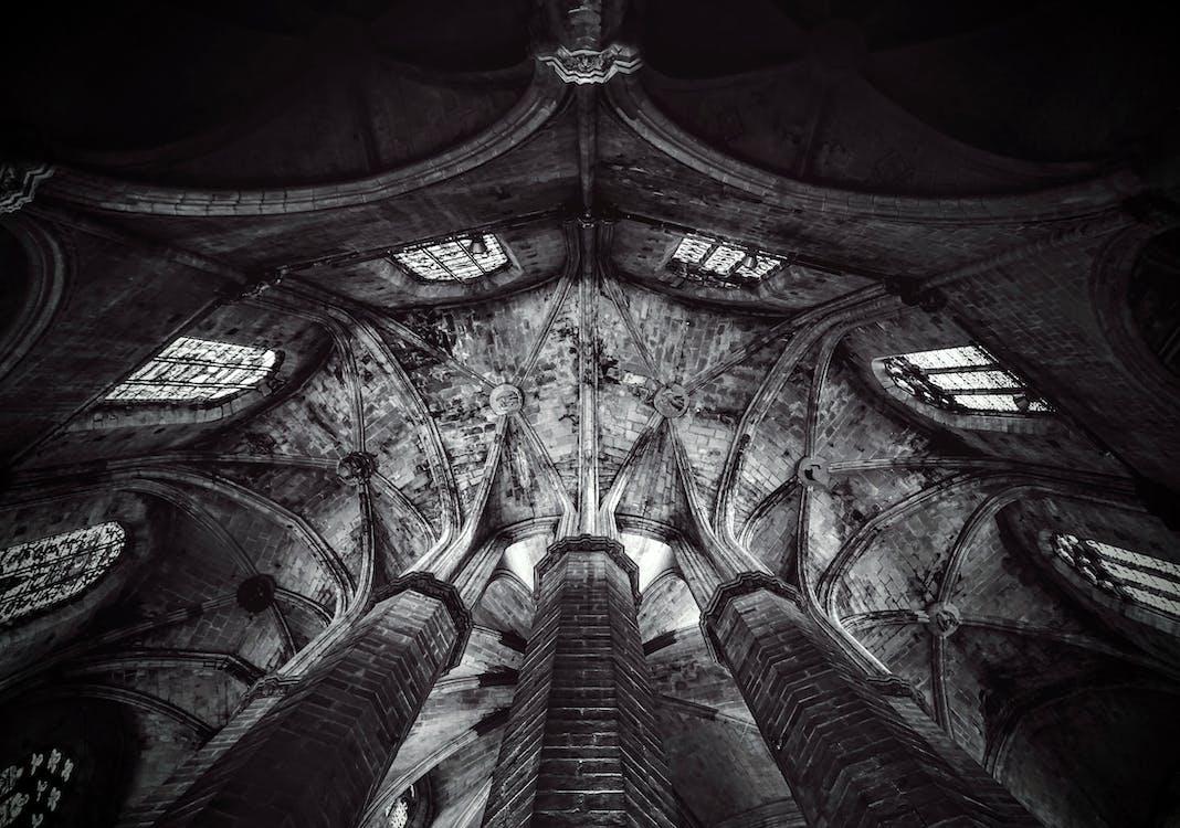 czarno-biały, kościół, sufit