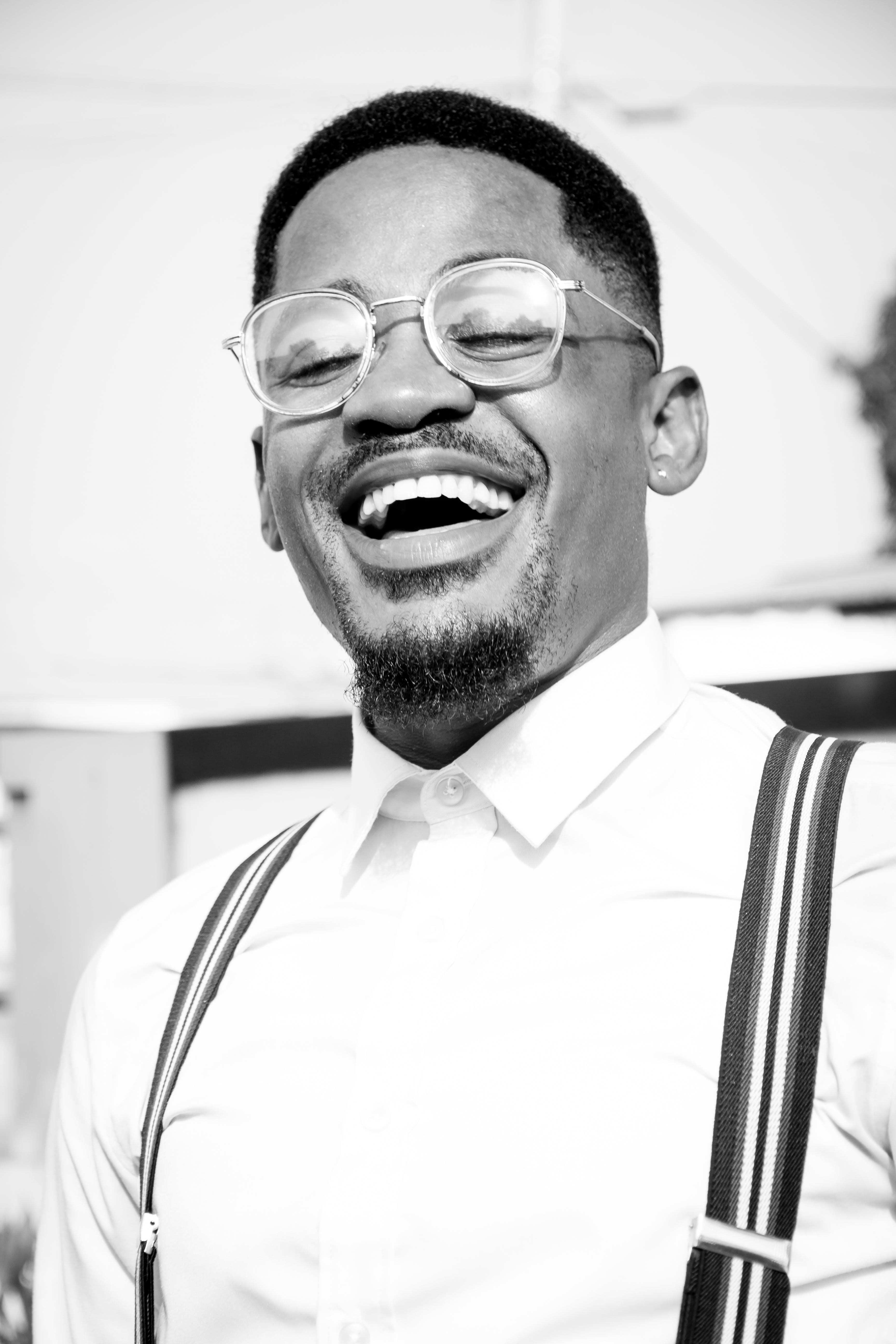 Kostenloses Stock Foto zu afroamerikanischer mann, brille, brillen, gesichtsausdruck