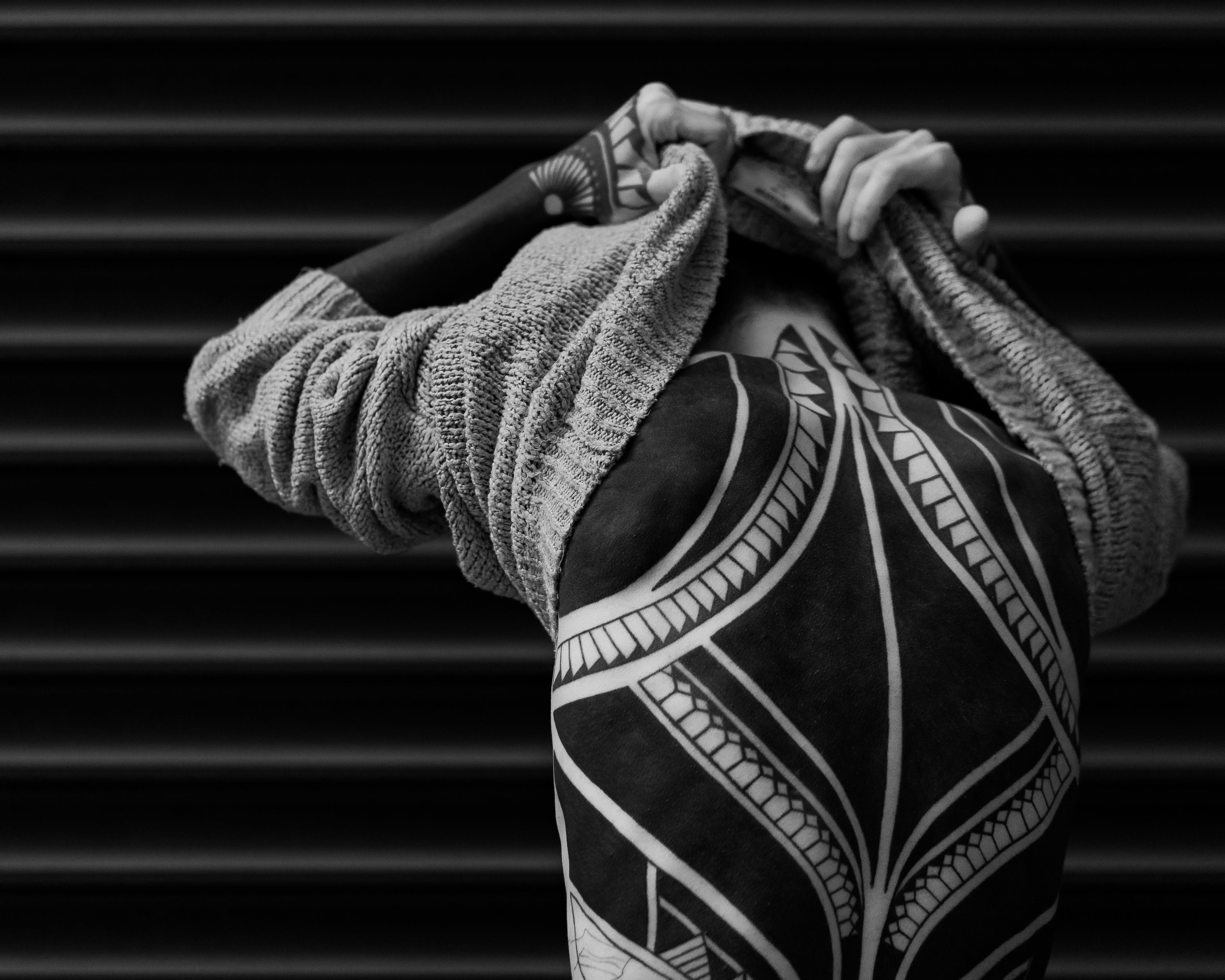 Základová fotografie zdarma na téma barvy, černobílá, chlápek, focení