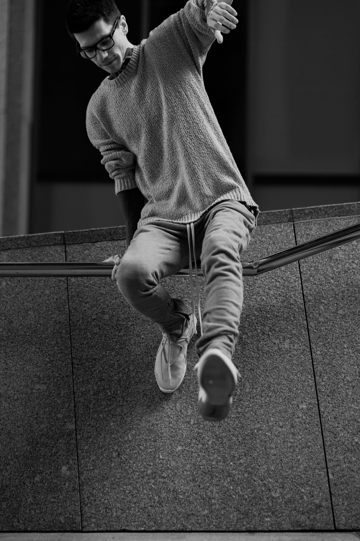 Základová fotografie zdarma na téma černobílá, černobílý, móda, muž