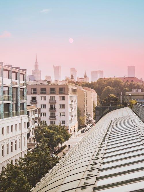 Darmowe zdjęcie z galerii z architektura, biura, budynki, dach