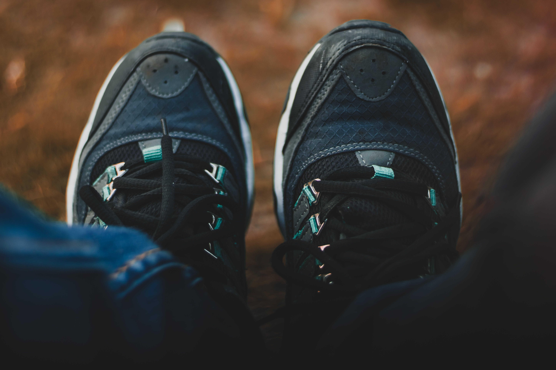 Foto d'estoc gratuïta de calçat, calçat esportiu, peu, peus