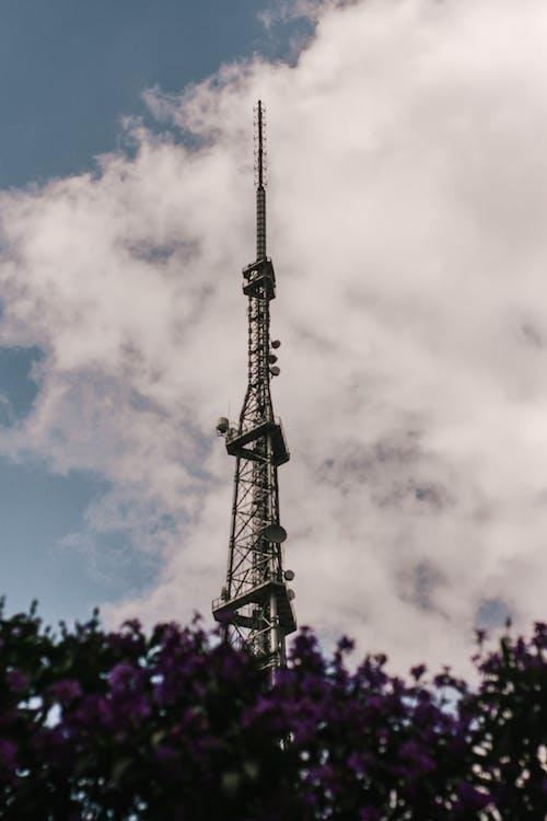 Photos gratuites de antenne, émetteur, perspective, tour