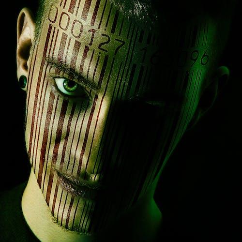 Foto profissional grátis de arrepiante, close, código de barras, escuro