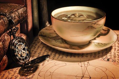 Darmowe zdjęcie z galerii z czas, drink, kawa, kubek