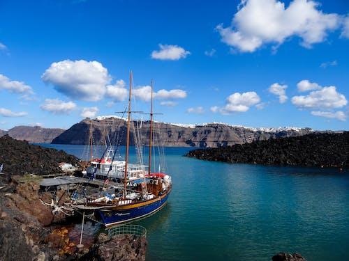 Kostenloses Stock Foto zu insel, meer, segelboot, segelschiffe