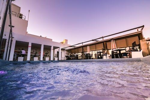 Безкоштовне стокове фото на тему «архітектура, бар, басейн, бізнес»
