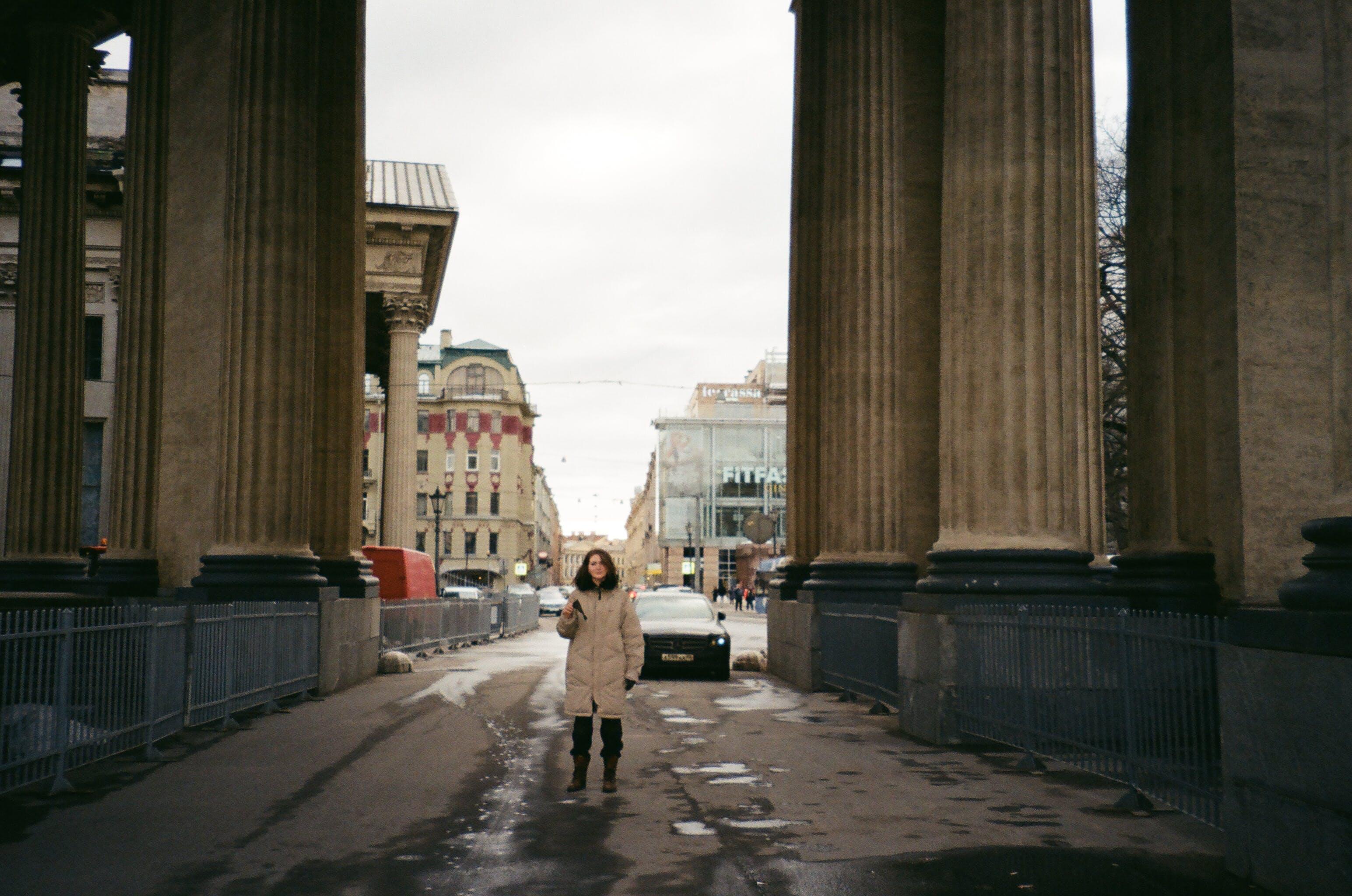 Gratis lagerfoto af bil, by, forkølelse, gade