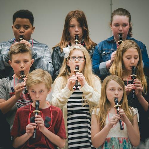 Darmowe zdjęcie z galerii z dzieci, muzyka, ogniskować, szkoła podstawowa