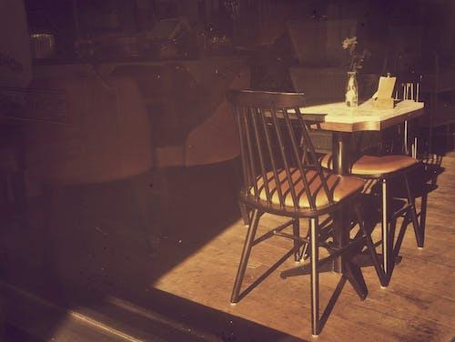 Darmowe zdjęcie z galerii z jadalnia, jedzenie, kawiarnia z barem, okno