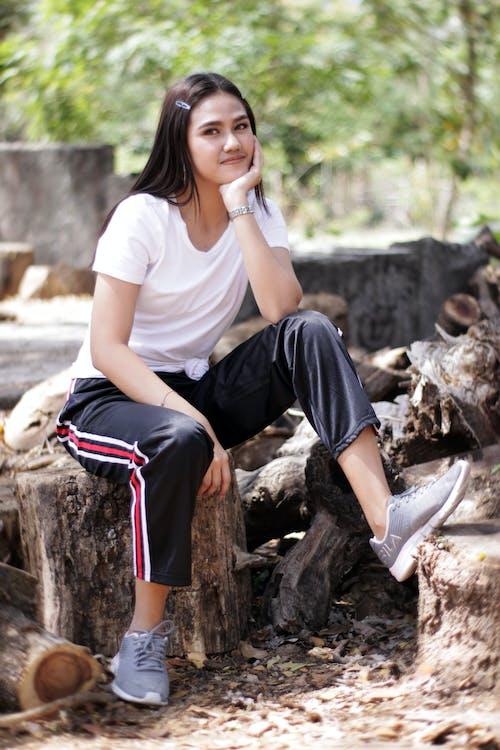 Безкоштовне стокове фото на тему «snaps, snaps філіппіни, дівчина сидить»