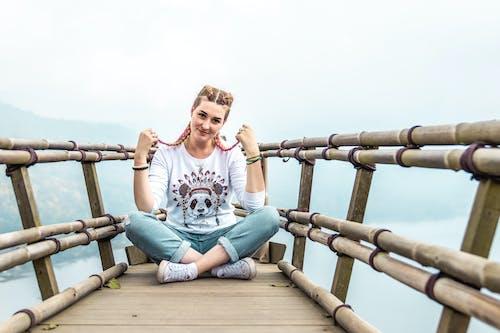 Immagine gratuita di abbigliamento casual, bambù, capelli intrecciati, carino
