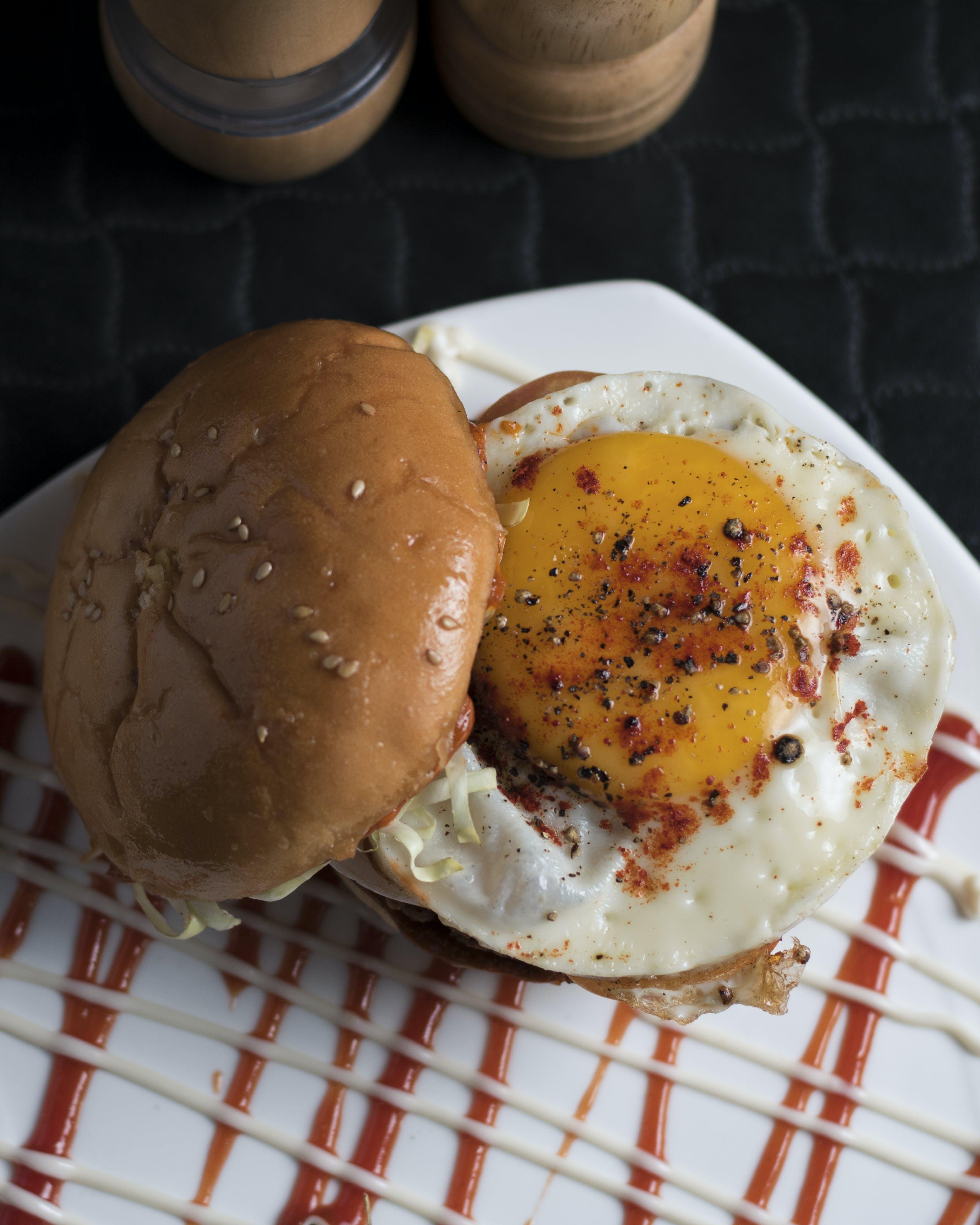 Ilmainen kuvapankkikuva tunnisteilla Aamiainen, ateria, burgeri, chilipippuri