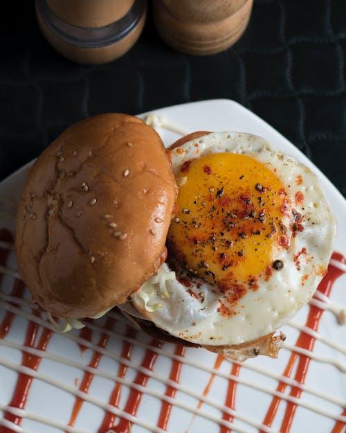 Kostnadsfri bild av ägg, ägg burger, bröd, bulle