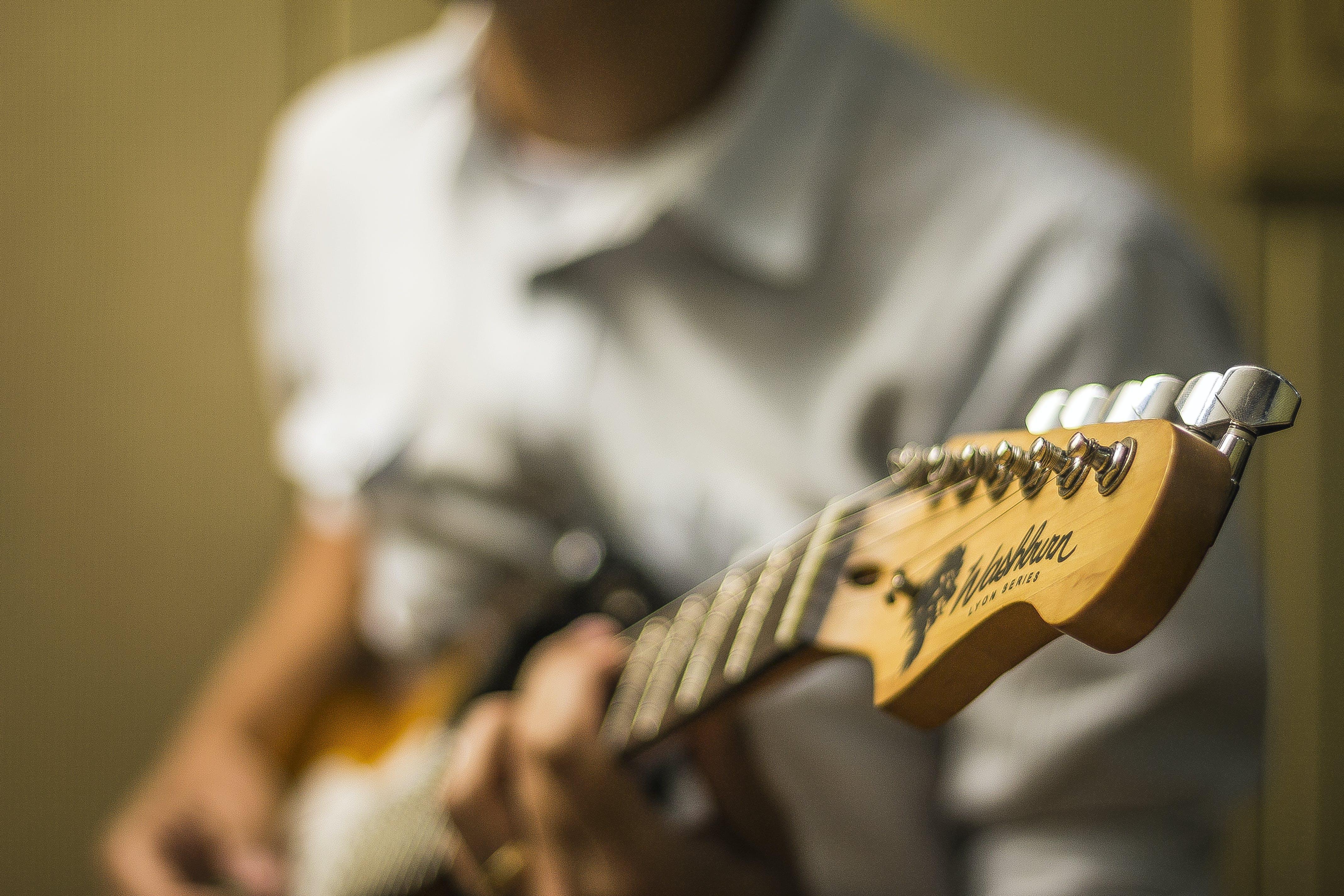 Kostnadsfri bild av gitarr, gitarrist, man, musiker
