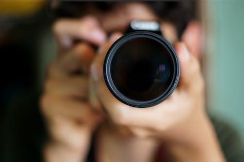 Kostenloses Stock Foto zu fotograf, fototermin, kamera, kameramann