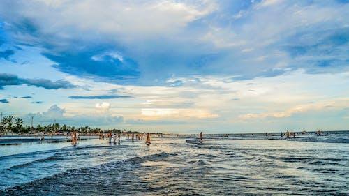 Ilmainen kuvapankkikuva tunnisteilla hiekkaranta, meri, taivaansininen