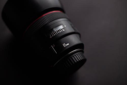 Gratis lagerfoto af 85mm, kameralinse, linse, udstyr