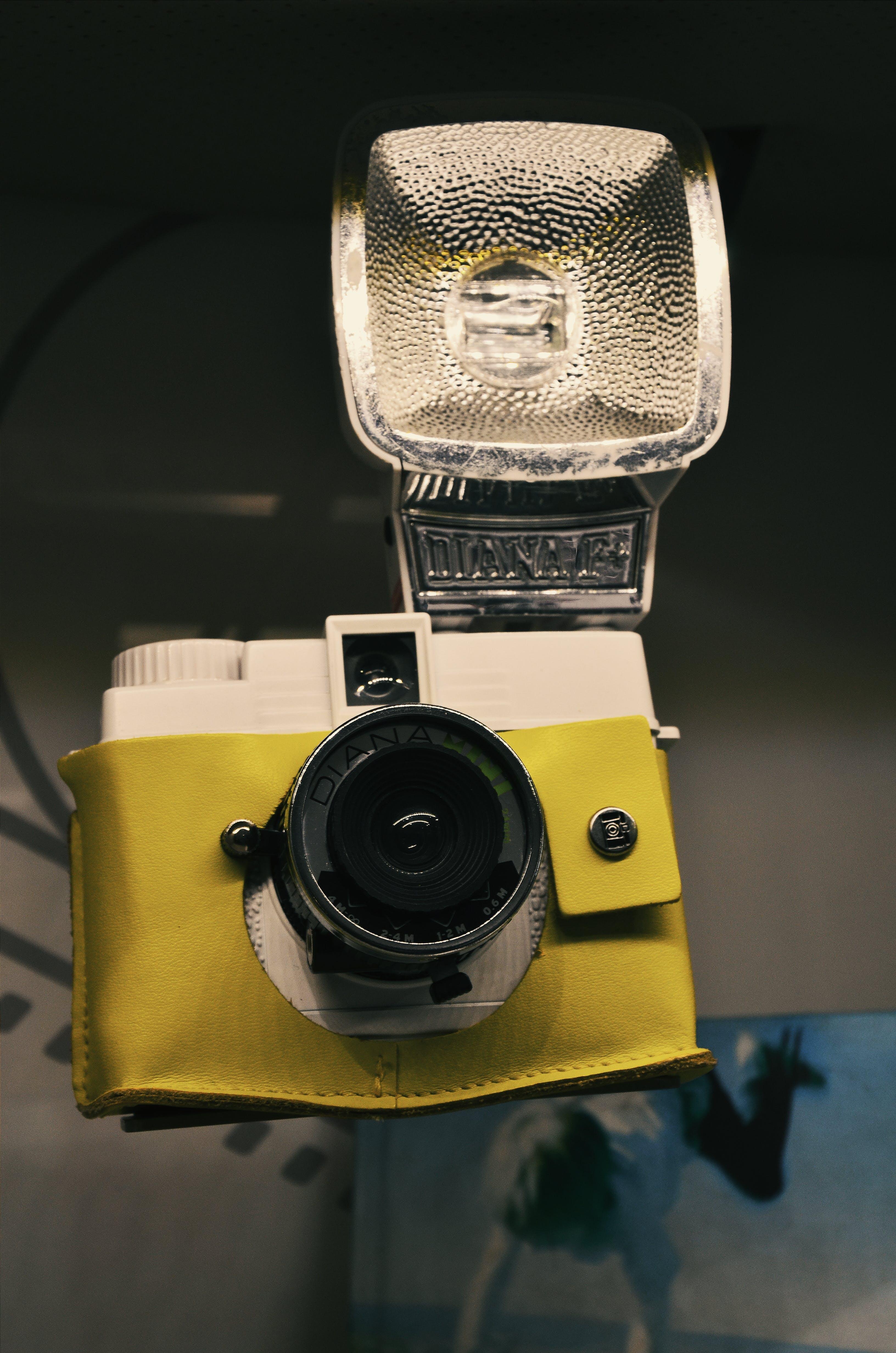 Kostenloses Stock Foto zu blitz, elektrik, kamera, klassisch