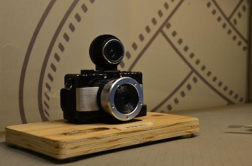 Photos gratuites de à l'intérieur, analogique, ancien appareil photo, antiquité